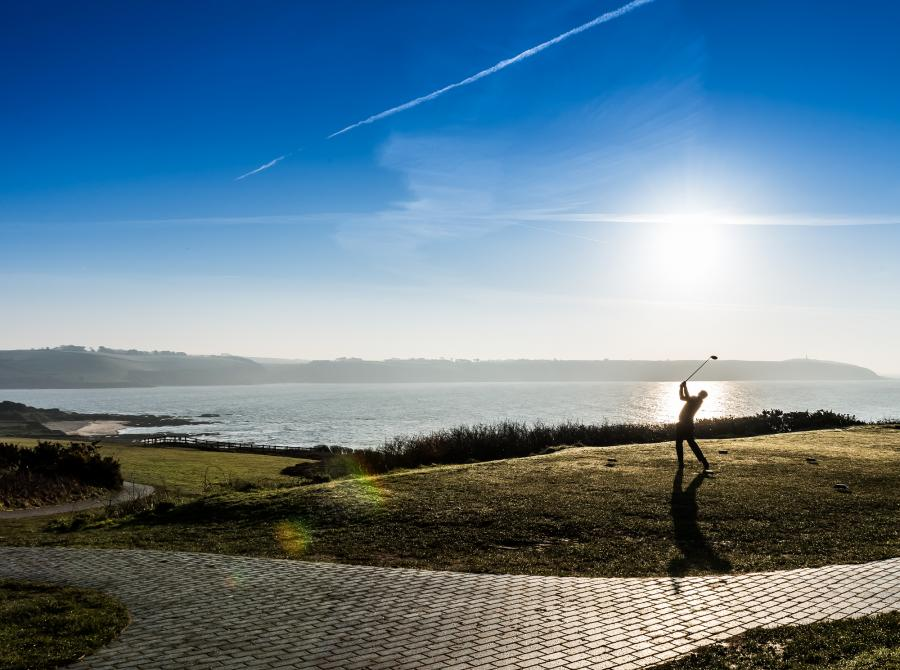 golfer at 10th tee at carlyon bay